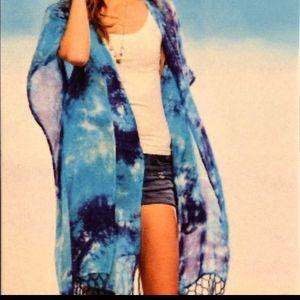 BNWT tie-dye blue coverup/kimono